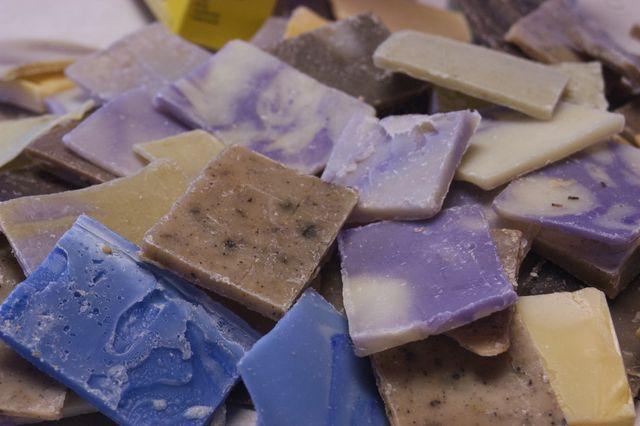DIY laundry soap.   Clean. : : the LuSa Organics Blog