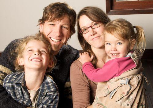 Lusa-wolf-family-2011