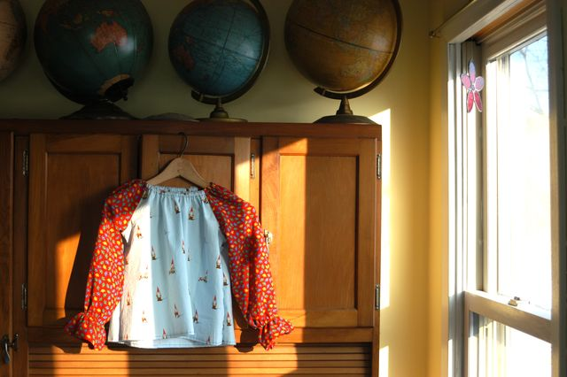 Sewing: vintage gnome shirt. | Clean.