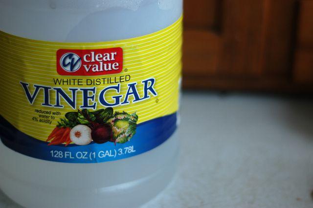 Cheap, easy, natural DIY cleaners. {Clean. The LuSa Organics Blog}