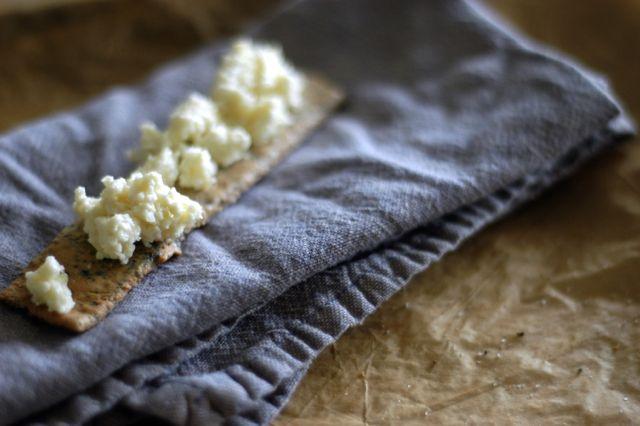homemade garlic cheese spread   Clean.