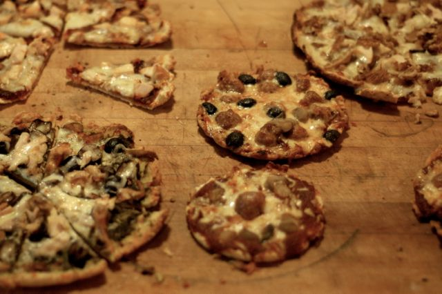Thin and crispy grain-free pizza crust recipe (gluten-free, grain-free, egg-free)