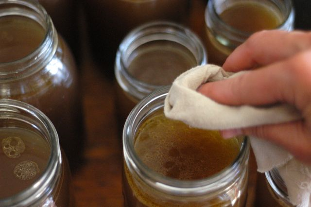 How to make and can bone broth