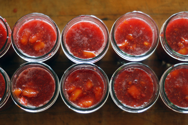 ... Recipe (peach, raspberry & ginger jam, sweetened with honey) - Clean